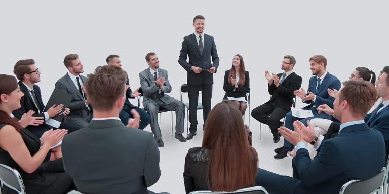 企业管理培训经典忙冲:22举手法则